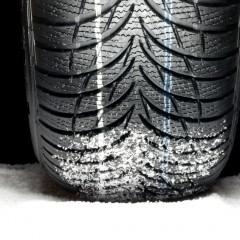Voilà pourquoi il faut monter quatre pneus hiver