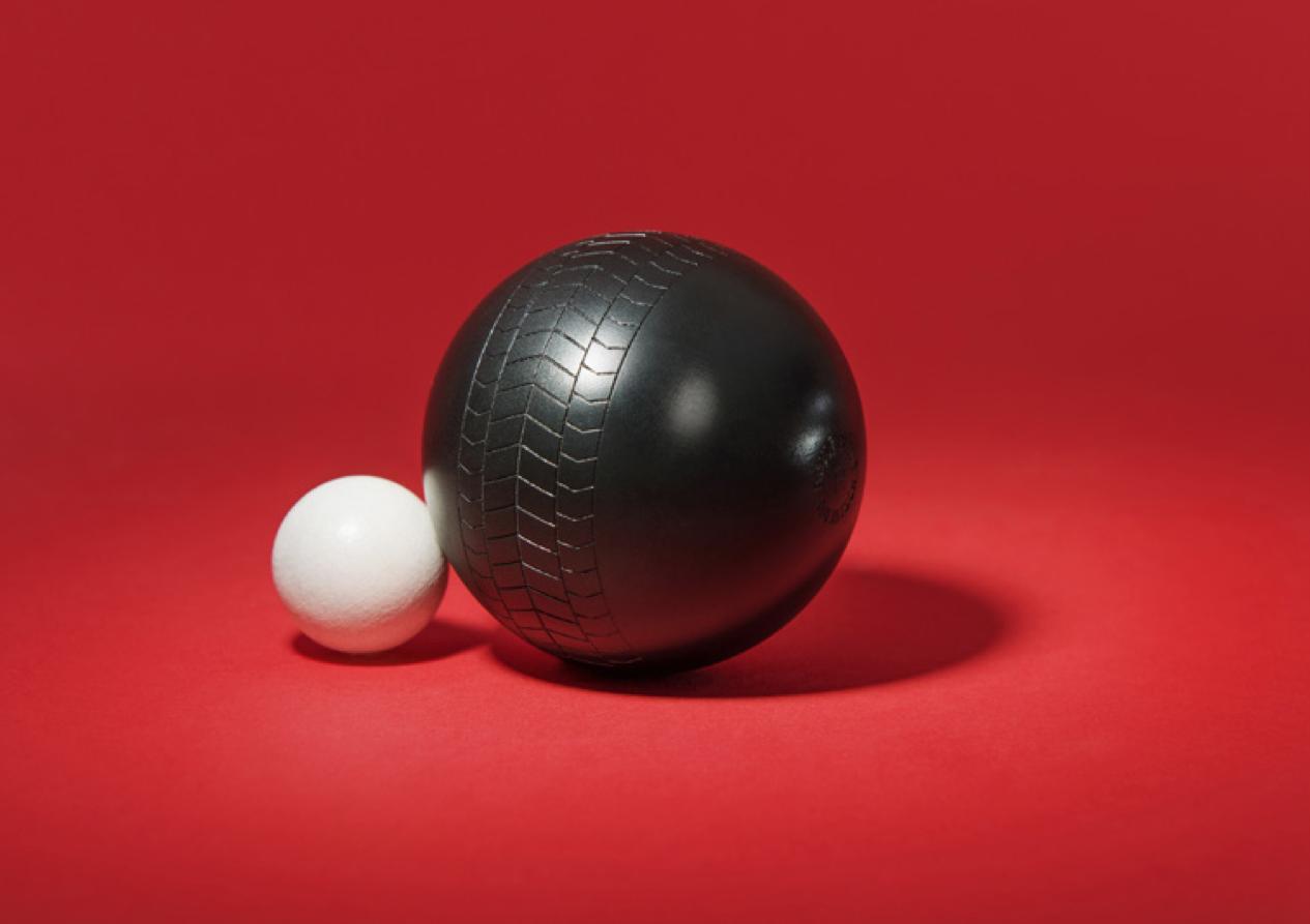 Vroum p tanque les boules qui laissent des traces de for Nettoyer boule de petanque