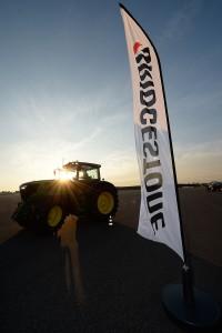 machine agricole monté avec les pneus Bridgestone VT-TRACTOR